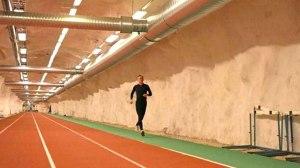 courir-en-sous-terrain-a-helsinki