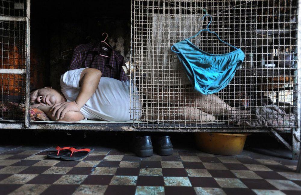 Cage-Homes-in-Hong-Kong-MAIN
