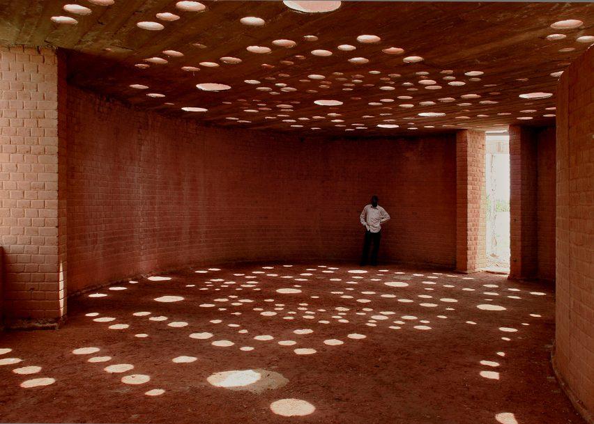 gando-library-diebedo-francis-kere-architecture-roundups_dezeen_2364_ss_0-852x609