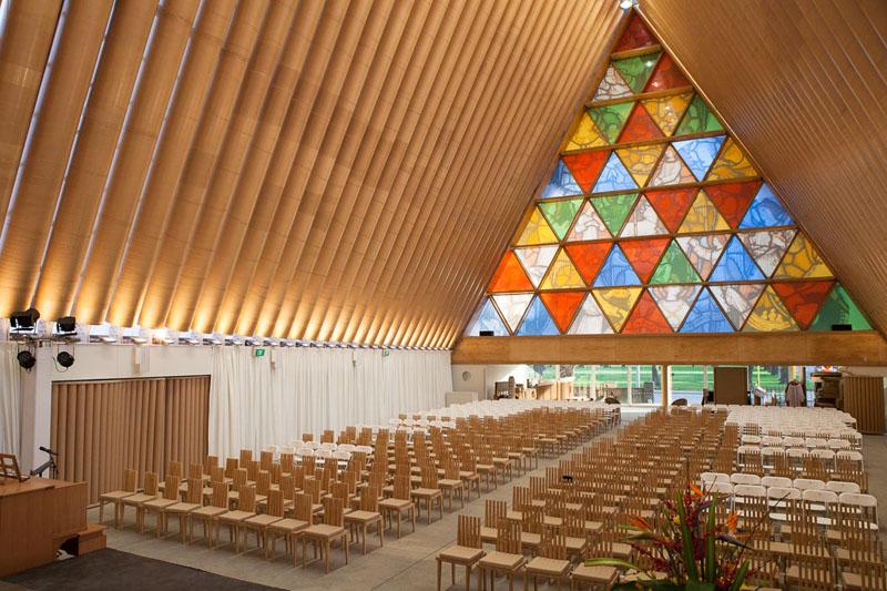 paper-cathedral-cardboard-shigeru-architecture