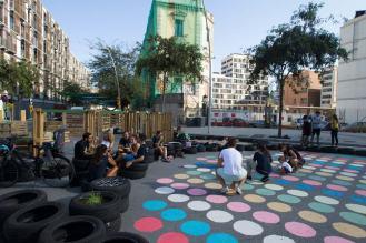 Les sols investient de la supermanzanna à Poblenou, Barcelone.