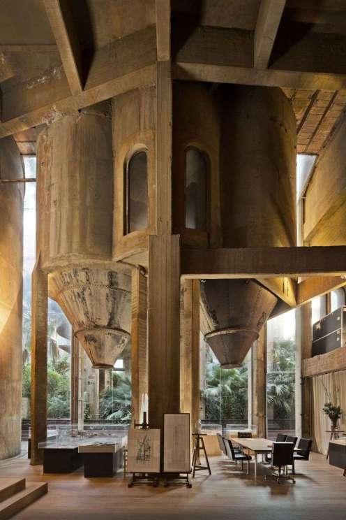 35_ricardo-bofill-and-la-fabrica-studio-in-a-former-cement-factory_full